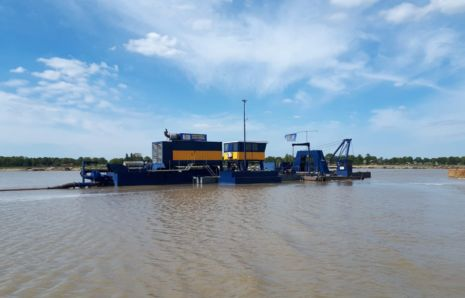 Diesel-electric deep cutter suction dredger Hetty