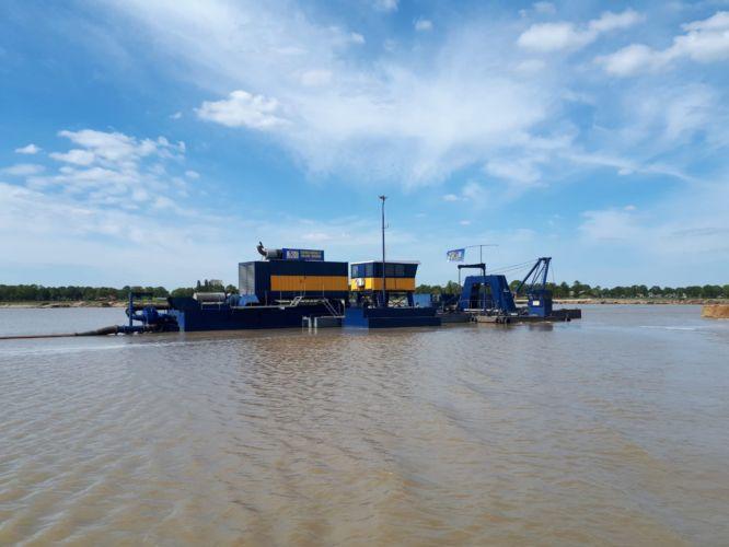 Diesel-electric deep cutter suction dredger Hetty