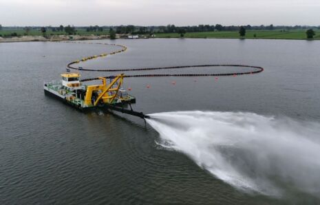 Fully electric plain suction dredger Vrouwezand