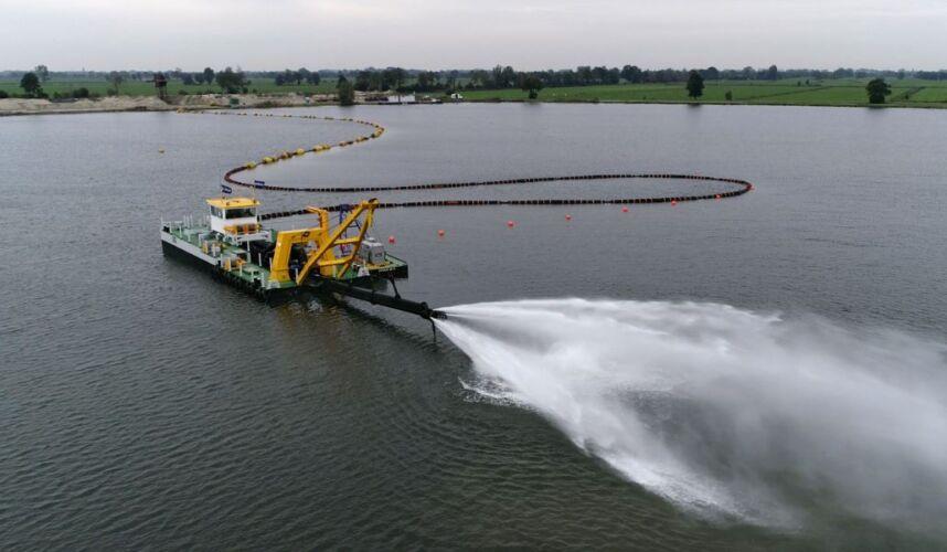 Fully electric plain suction dredger Vrouwezand