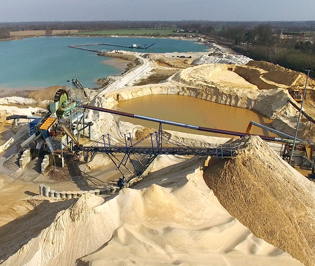 Royal Smals high-end sand extraction<br>for the construction industry.