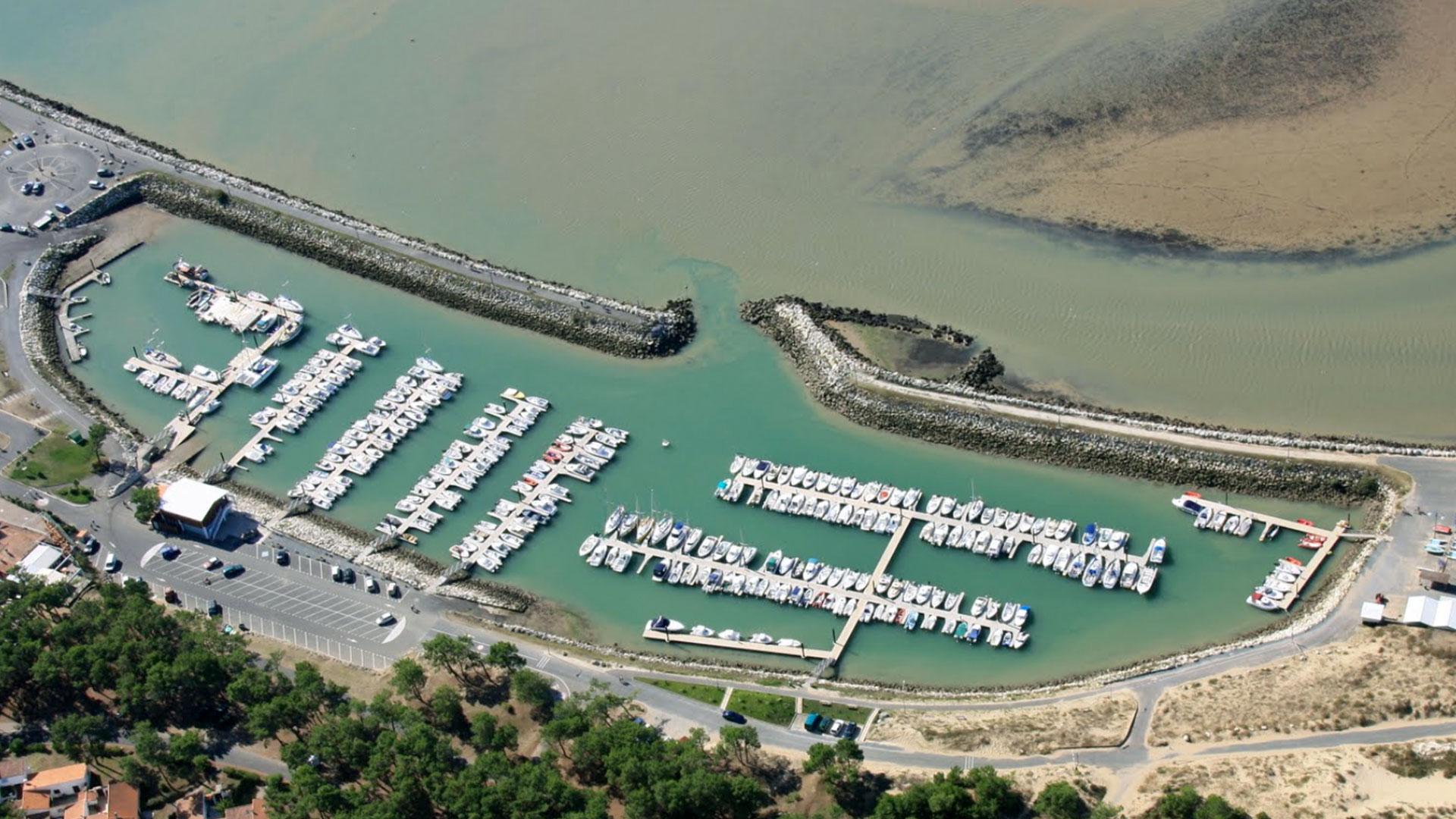 Atlantic ocean harbour, <br> Les Mathes France.