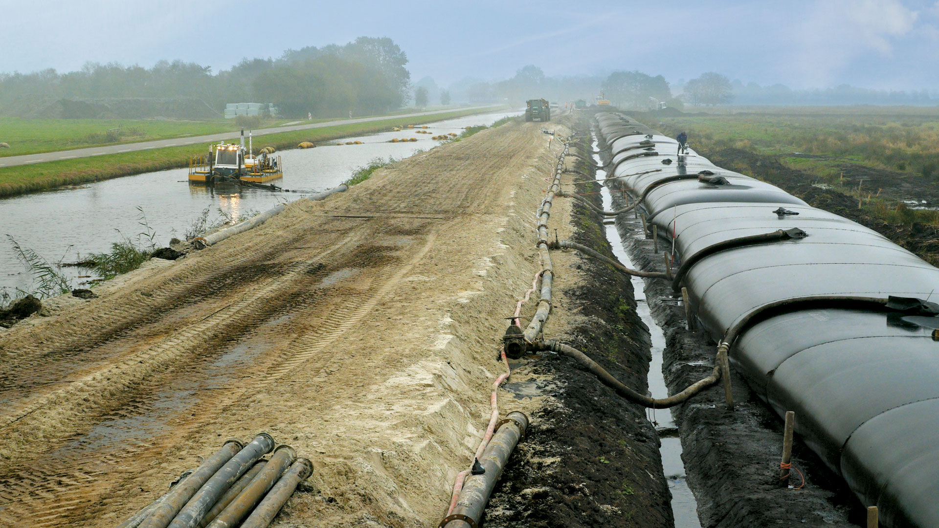 Flood protection<br>and reinforcement embankment.