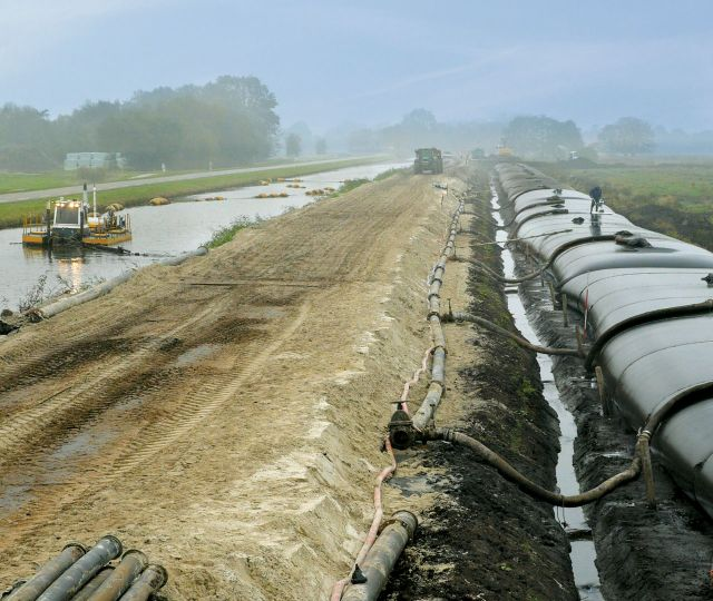 Hochwasserschutz und Uferarbeiten Slochterdiep.